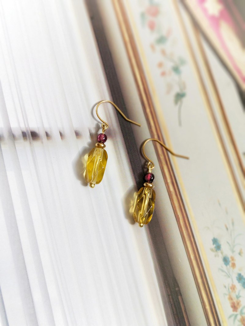 - Un Jess Cadeau - European Beaded Brass Handmade Earrings