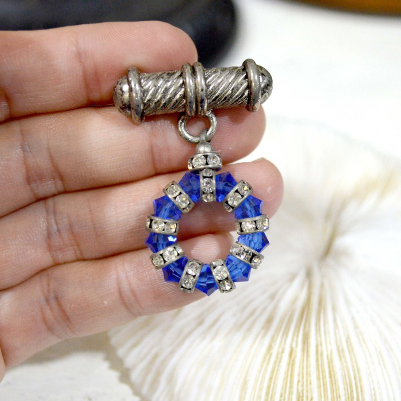 British style silver-plated blue bead flash diamond brooch noble and elegant Japanese high-end used jewelry