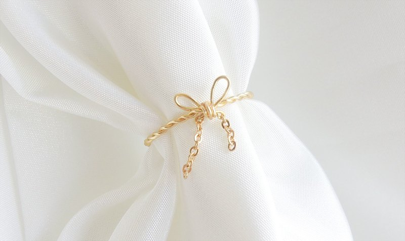 Thin chain butterfly knot twist ring (four colors optional)