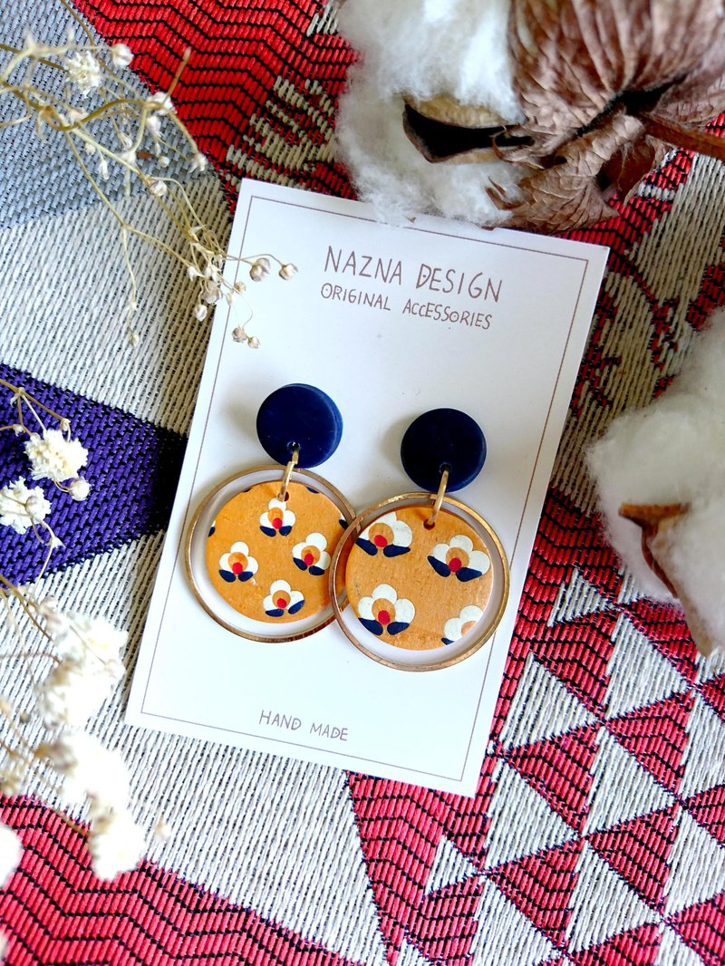 NAZNADesign-Handmade Soft Ceramic Earrings-Pile Flower Series-Gold Circle Small Round (Changeable Clip)