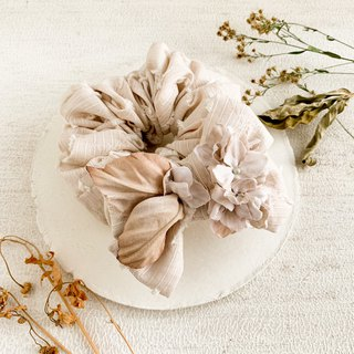 Hair accessory: An antique hydrangea ribbon chouchu