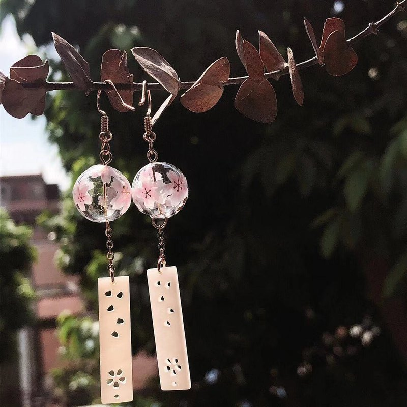Cherry blossom wind chimes hand made summer festival and wind Japanese wind chime earrings can change ear clip gift