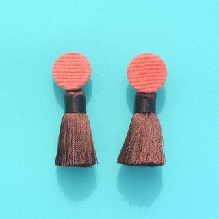Peach corduroy round button / dark brown tassel earrings