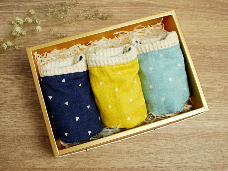 Hello baby series. Mi Yue gift box::: eight heavy yarn saliva towel bib series │ geometric triangle