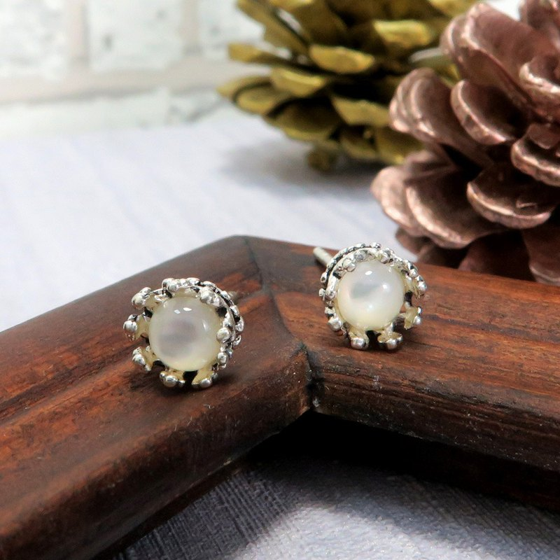 Elegant Green Crown Earrings-White 925 Sterling Silver Earrings