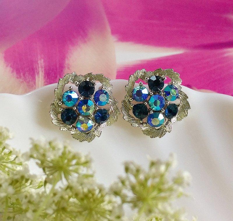 LISNER 晶藍色調 花形 栓式耳環。西洋古董飾品