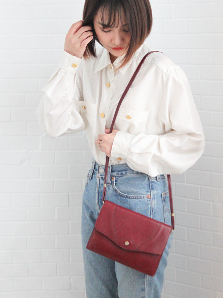 Retro Europe 80s elegant simple multi-layered red cross-body bag side backpack antique second-hand bag
