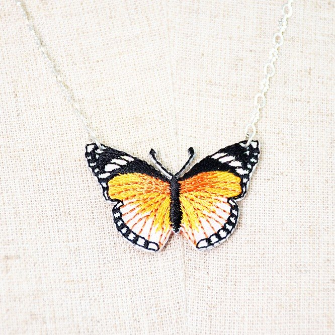 Butterfly pattern embroidery lace necklace