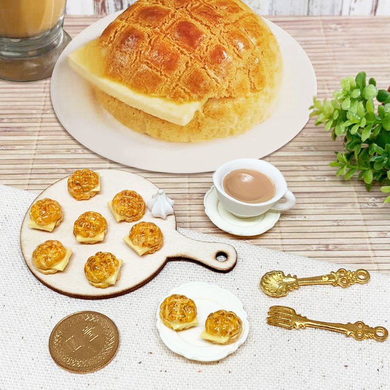 Simulation food Hong Kong Hong Kong-style pineapple oil bread earrings anti-allergic ear clip ear clip