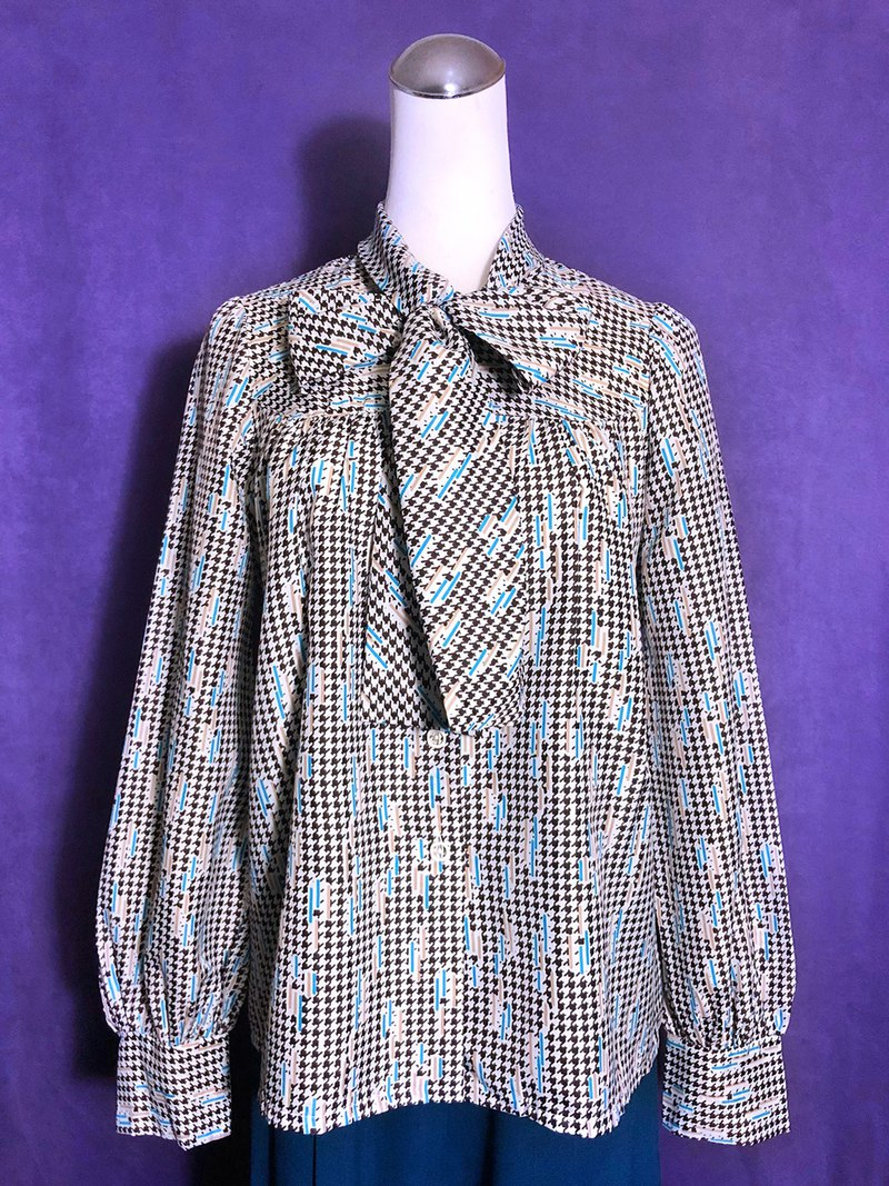 Houndstooth bow tie long-sleeved vintage shirt / brought back to VINTAGE abroad