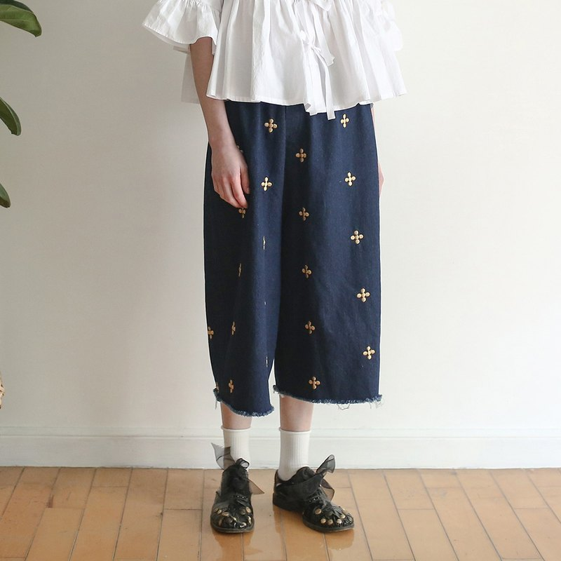 Embroidered Cowboy Wide Leg Pants - imakokoni