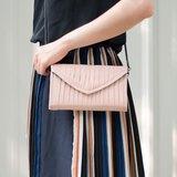 vingt six 石英粉色皮夾包(可做肩背包.手拿包.斜背包.皮夾多用)