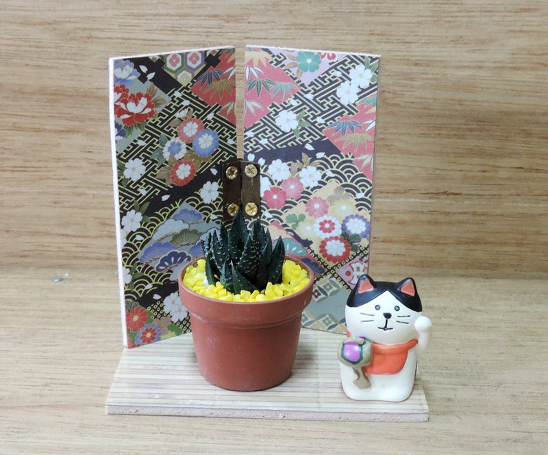 Japanese style screen, blessing cat, meaty pot