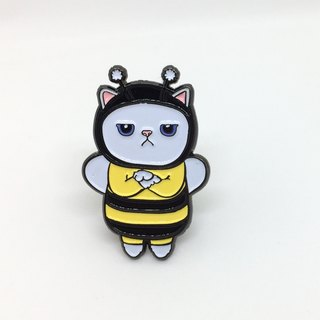 Grumpy Bee Cat Pin / brooch