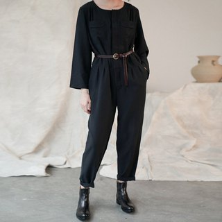 Hermit | Black thin into a piece of paper round neck jumpsuit sand wash silk silk handsome breathable jumpsuit