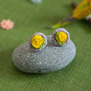 Handmade Embroidery Earrings - Yellow Flower Ear stud (1 pair)