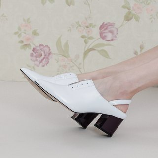 Simple color matching vintage leather heel shoes white