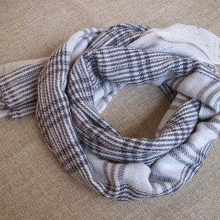 【Grooving the beats】Cashmere Stripes Shawl / Scarf / Stole Handmade from Nepal(Plaid_Grey)