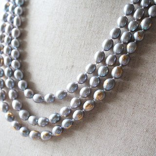Gold foil long necklace IWAI (Gray Pearl)