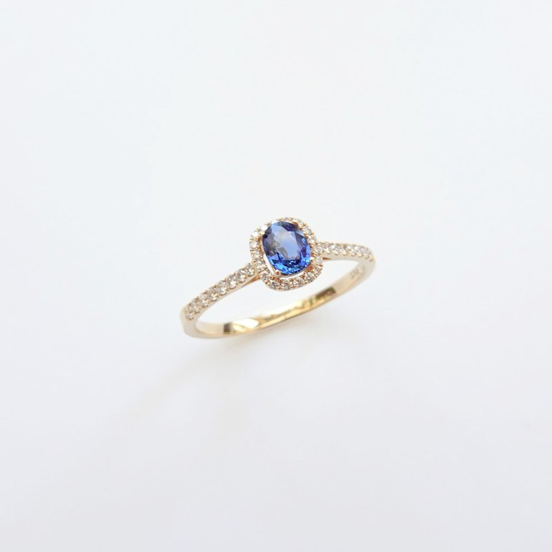 Natural Sapphire Oval Shaped Halo Diamonds Handmade 14K / 18K Solid Gold Ring