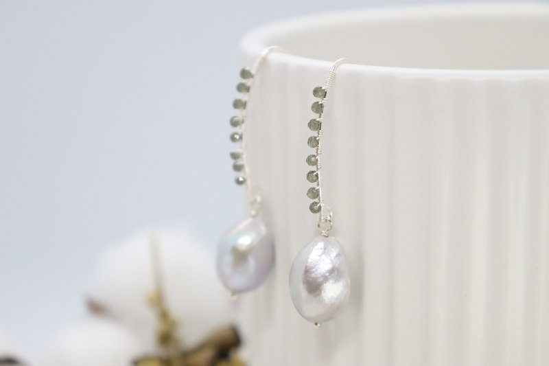Light Grey Baroque Pearls & Quarts Stones 925 Sterling Silver Hook Earrings
