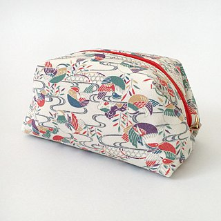 "Pouch with Japanese Traditional Pattern, Kimono (Large) ""Silk"""