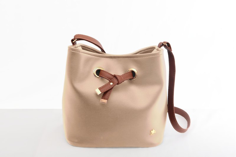 [CLM] Vegan Leather/Made in Taiwan/Butterfly Embellished Bag-Milk Tea Color