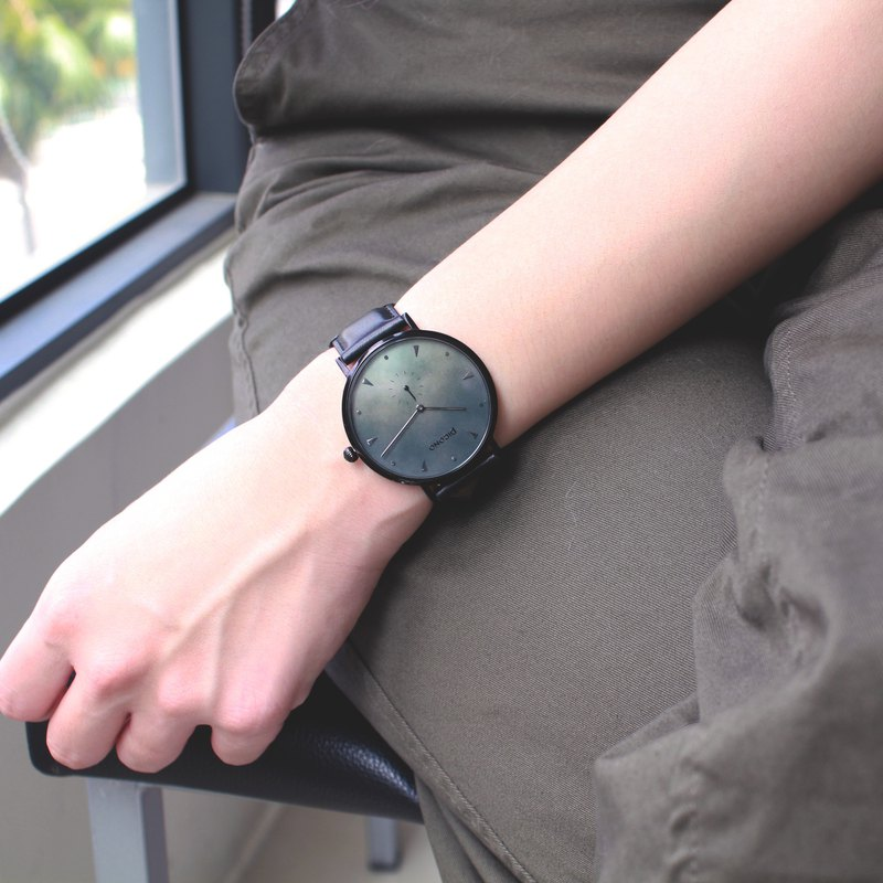【PICONO】A week collection black leather strap watch / AW-7602