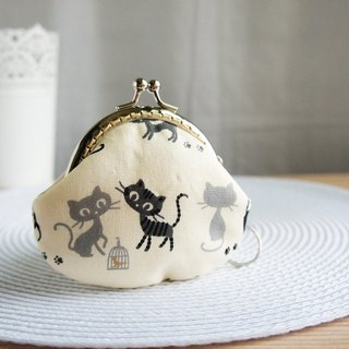 Lovely cat bird cage mouth gold purse, black rice bottom