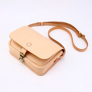 [tangent pie] delicious bread hungry to a leather hand-made retro small messenger bag female small bag female student bag Messenger bag