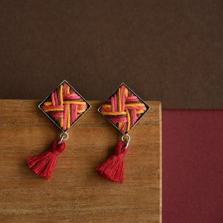Stripe layered embroidery rhombus red tassel earrings