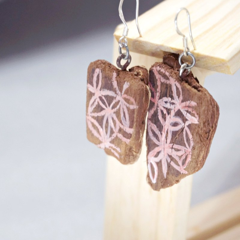 Natural hand-painted wood earrings Upcycling upgrade environmental protection and recycling - Pink