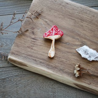 Pin | Red mushrooms