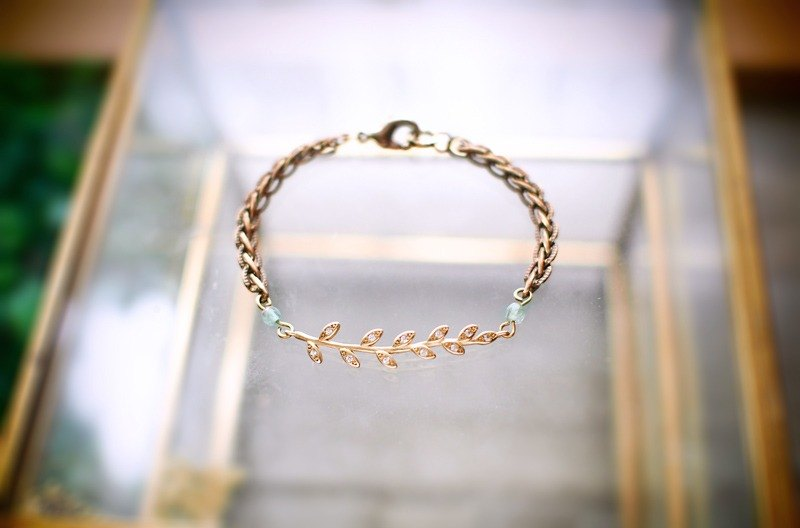 [Dance with nature] brass zircon brass bracelet