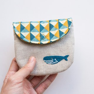 鯨魚 Whale Embroidered Linen Wee Pouch