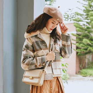 2018 women's winter wear fur collar large plaid short coat