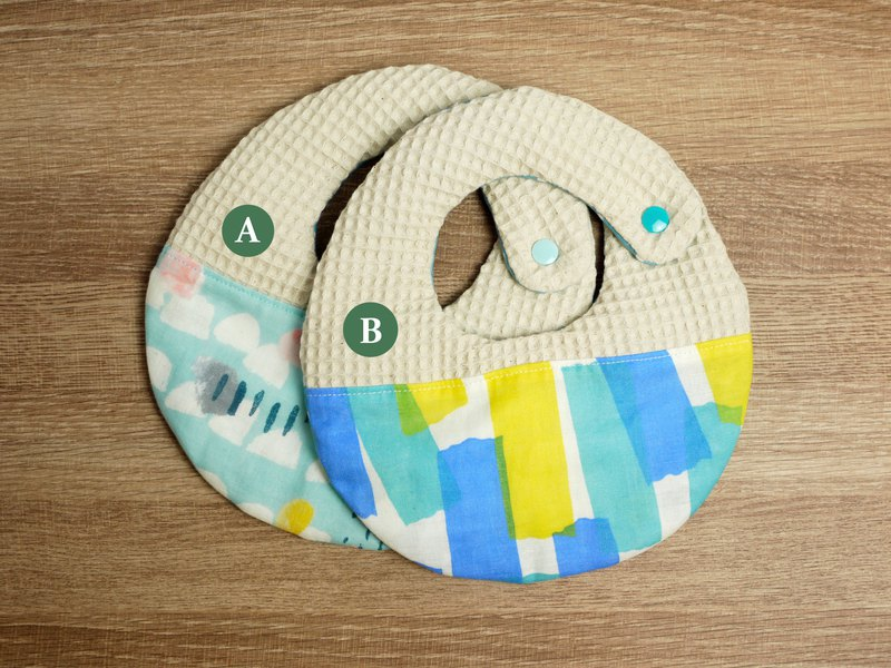 Hello baby series. Eight weight yarn towel │ bib::: rainy season + tape