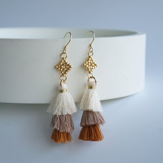 Golden beaded gradient brown earrings