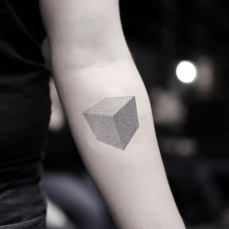 OhMyTat 立方體 Cube 刺青圖案紋身貼紙 (2 張)