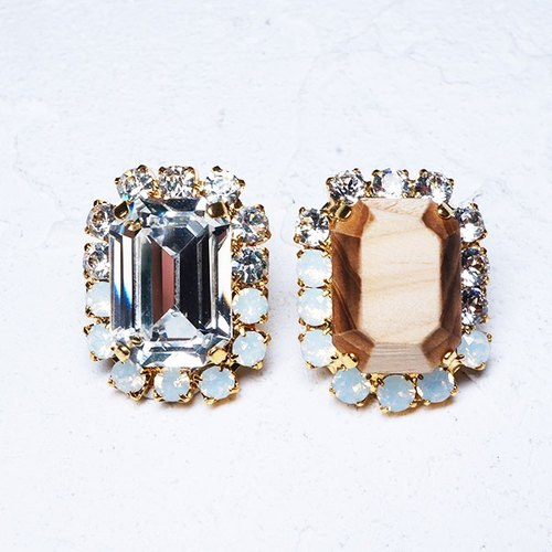 Bijou and wooden pierced earring (Square)