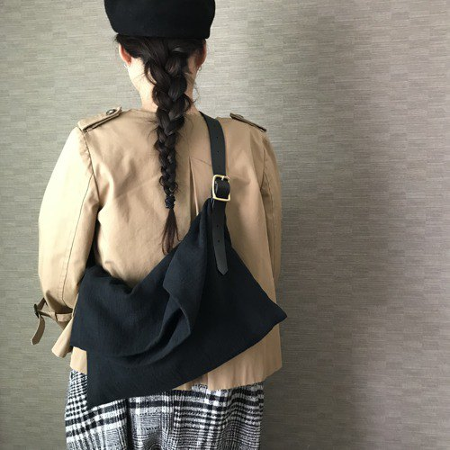 Lamy linen and leather long belt bag black