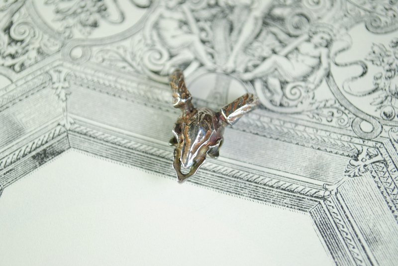 Alarein / handmade silver / forest series / single drop / sheep skull
