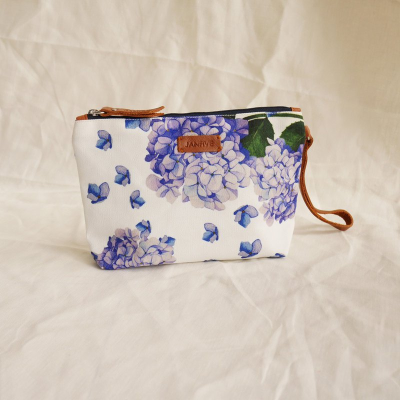 Makeup Bag - Violet Hortensia