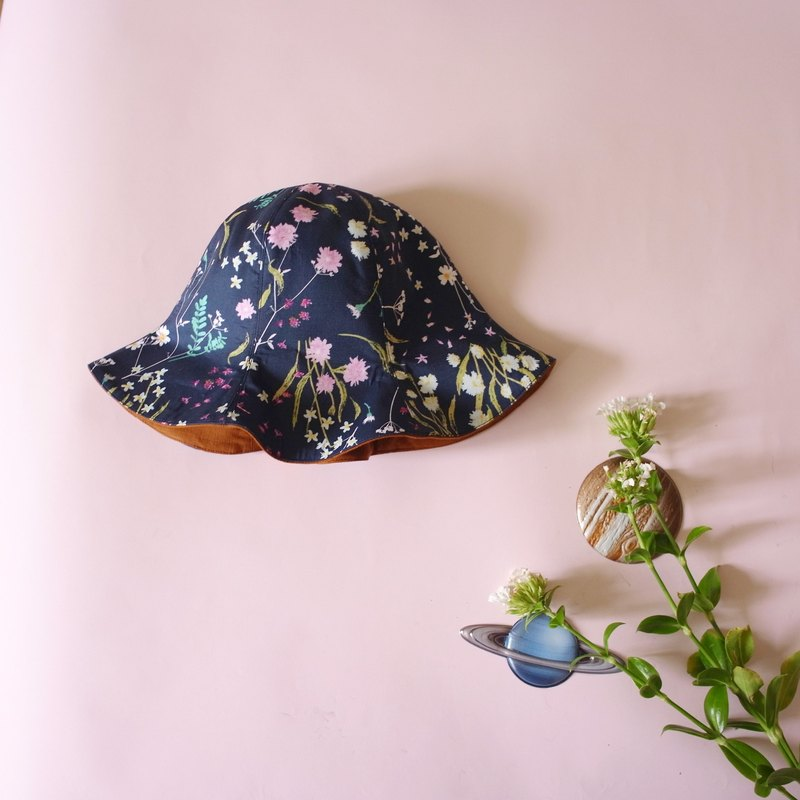 Flowers and poems handmade hat (bell-shaped cap Jieke wear double-sided models)