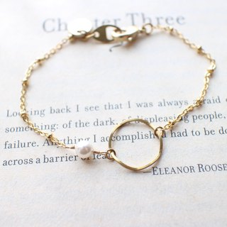 Beautiful times- pearl bracelet