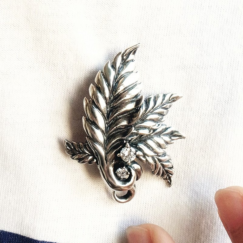 Hemp leaf brooch pendant 925 sterling silver