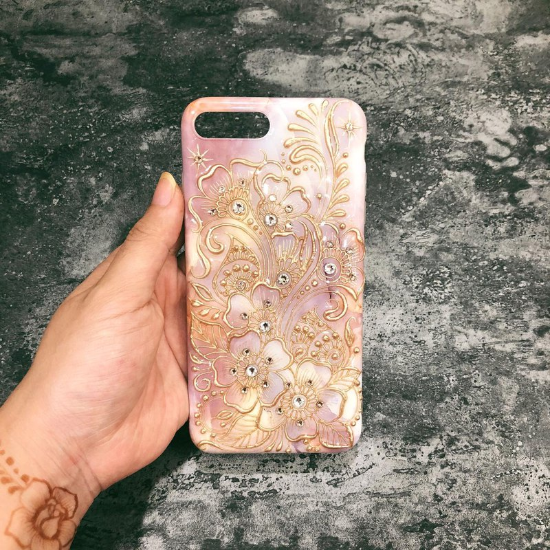 Custom products [hand drawn carved mobile phone shell] HENNA / ethnic wind / Zen winding / Morocco / Egypt