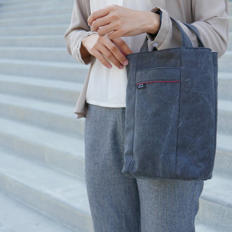 Simple Design-Straight Tote