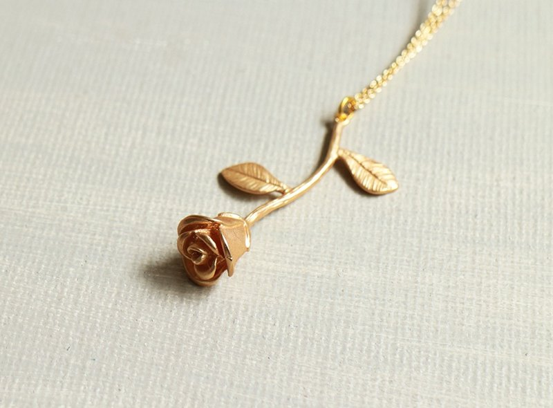 matte gold rose flower necklace