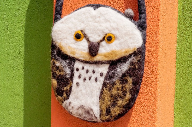 Natural wool felt light bag / cross body bag / side backpack / shoulder bag / travel bag / tote bag - owl